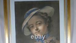 Portrait d'Une Jeune Femme Au Chapeau Et Bouquet De Fleurs, Pastel époque XIX èm