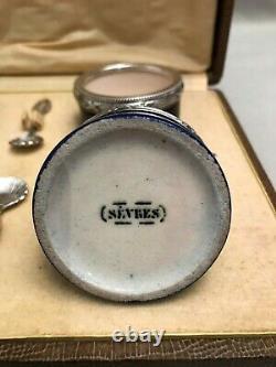 Quatre salerons en porcelaine de Sèvres et argent massif époque XIX ème siècle