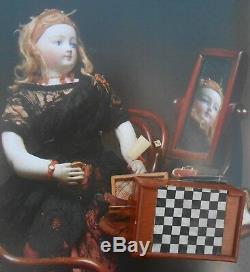 Rare jeu de jacquet miniature pour Poupée Parisienne d'époque fin XIXème