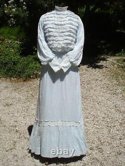 Robe ancienne Belle Epoque en plumetis antique victorian dress