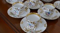 Service à Thé Ou Café En Porcelaine De Paris, Décor De Fleurs, époque XIX ème