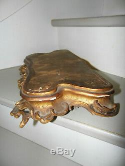 Socle en bois sculpté et doré d'époque milieu XIX ème