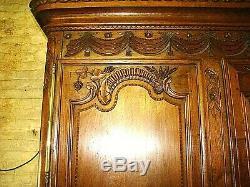 Superbe armoire de mariée en chêne massif époque XIX ème