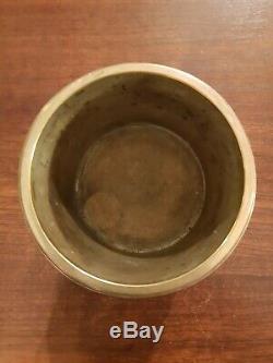Superbe pot à tabac époque XIX ème s en bronze et métal