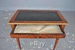 Table à écrire de style Louis XVI époque XIXème
